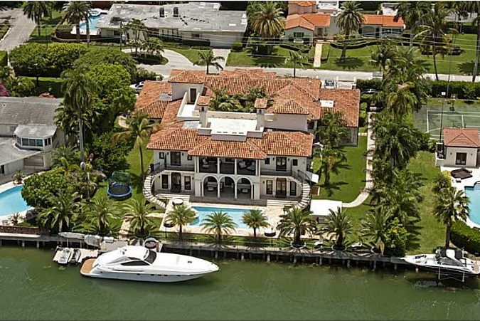 Sunset Islands House mansion in Miami Beach FL