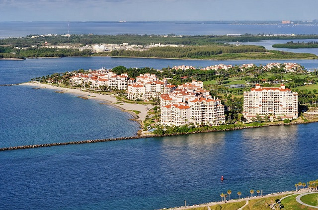 Fisher_Island_Miami_Beach_areal_view